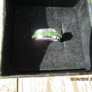 Jewelry - New Green stainless steel ring sz 6